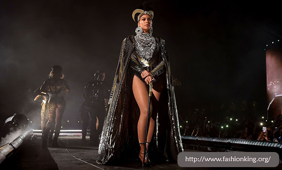 Custom Nefertiti Beyonce is Amaze On The Stage Coachella 2018